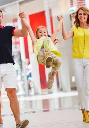 Hăinuțe și accesorii fashion pentru micuții vizitatori în Shopping City Timișoara!