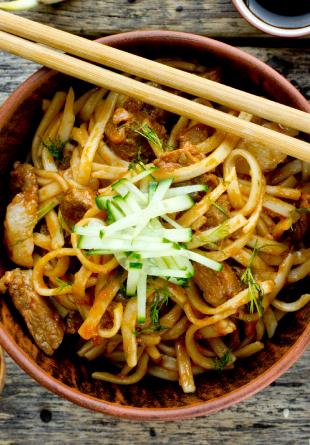 5 motive să incluzi mâncarea chinezească în alimentația ta