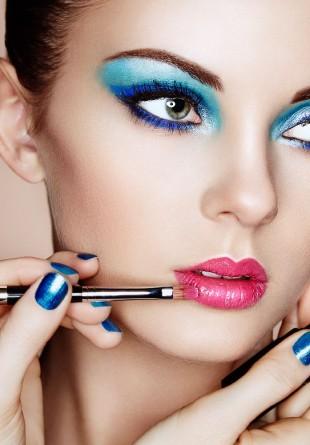3 tendințe de make-up în culori tari