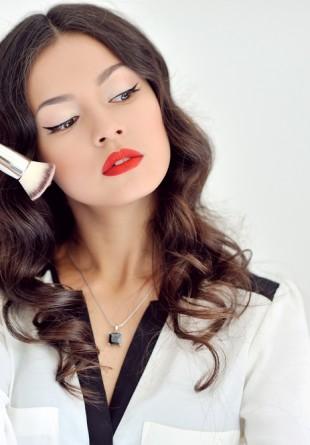 7 obiceiuri de care să te ferești pentru a scăpa de acnee