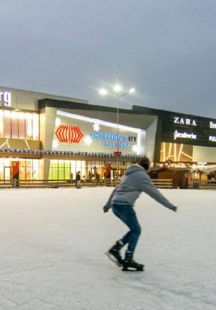 5 motive sănătoase să vii la patinoarul Shopping City Timișoara